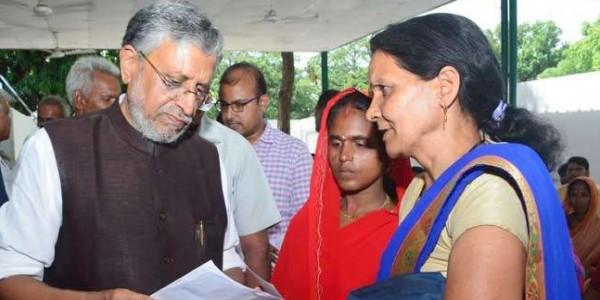 राबड़ी पर सुशील मोदी का कमेंट: बच्चों की चिता पर राजनीति कर रहे हैं राजद नेता