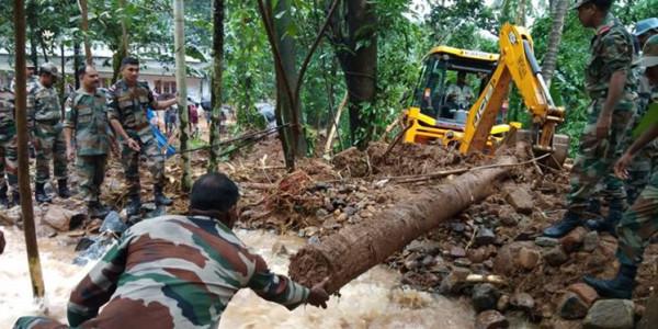 Kerala floods: 12 trains stuck between Kozhikode and Aluva