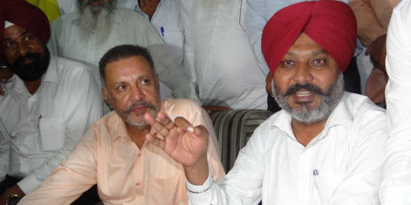 AAP नेता हरपाल चीमा का कैप्टन पर वार, 'झूठे निकले जनता से किए वायदे'