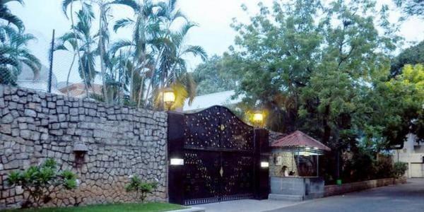 i-t-dept-shocker-jayalalithaas-poes-garden-residence-under-attachment-since-2007