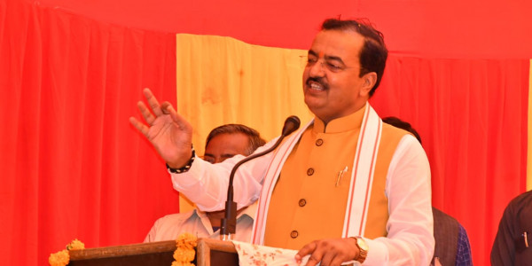 उत्तर प्रदेश के उप मुख्यमंत्री ने प्रदेश के लोगों को दी करोड़ों की सौगात