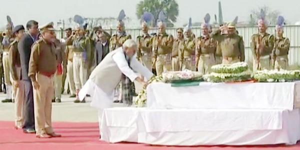पटना पहुंचा शहीदों के पार्थिव शरीर, CM नीतीश ने दी श्रद्धांजलि, 'भारत माता की जय' के लगे नारे