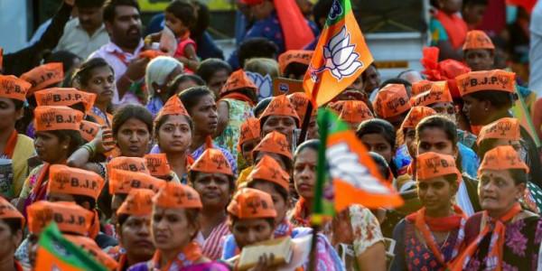पश्चिम बंगाल में बढ़ती हिंसा के बीच बीजेपी ने राष्ट्रपति से की टीएमसी की शिकायत