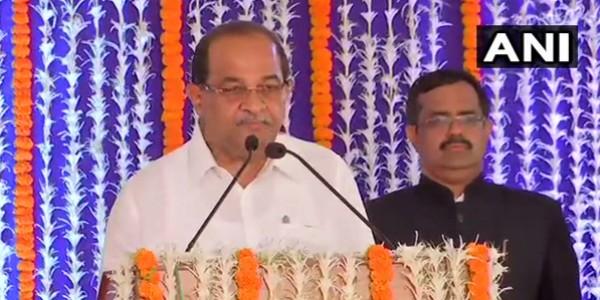 CM देवेंद्र फडणवीस ने किया मंत्रिमंडल का विस्तार, 13 मंत्रियों ने ली शपथ