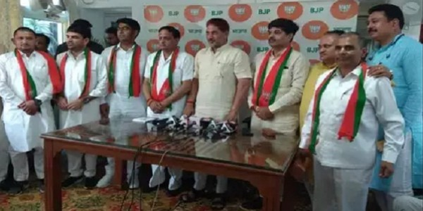 इनेलो को झटकों का दौर जारी, अब प्रवीण अत्रे और कुलभूषण गोयल BJP में शामिल