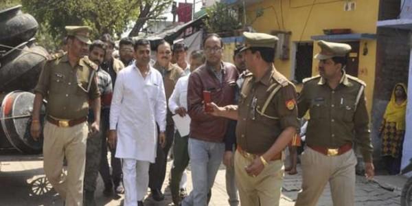 पीएम मोदी के कानपुर आगमन से पहले कांग्रेस के नेता नजरबंद, काले कपड़े वालों को प्रवेश नहीं