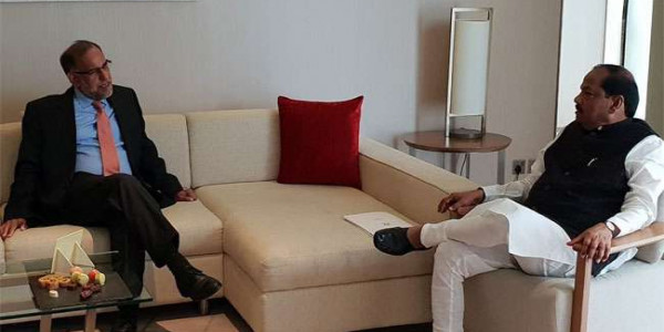 ranchi-cm-raghubar-das-meet-with-navdeep-suri