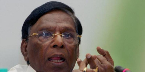 Puducherry CM ends dharna after talks with Lt Governor Bedi