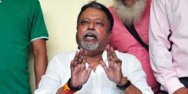 मुकुल रॉय पर बेटे का निशाना- 'नफरत की राजनीति PM को खुश कर सकती है, बंगालियों को नहीं'