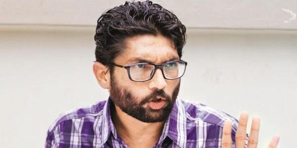 जिग्नेश मेवाणी ने की AAP की तारीफ, कहा-चंदा देकर मदद कीजिए