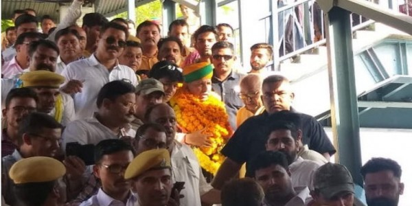 मंत्री बनने के बाद पहली बार बीकानेर पहुंचे अर्जुनराम, रेलवे स्टेशन से सर्किट हाउस तक हुआ स्वागत