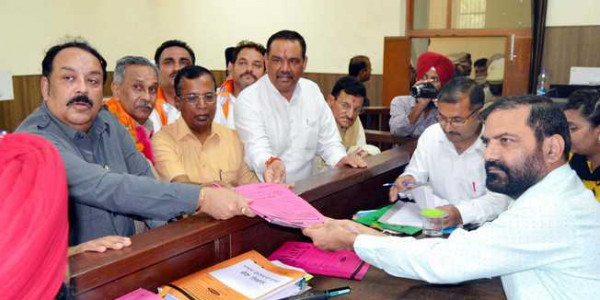 Cong, BJP tame dissidents