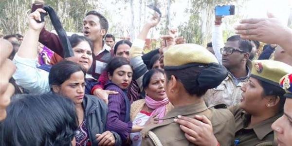 lucknow-city-congress-demonstration-against-narendra-modi