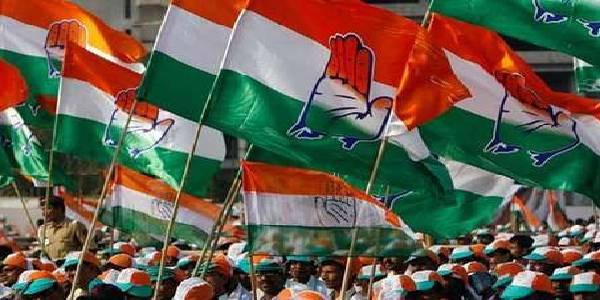 लोकसभा चुनाव में बुरी हार से डरी कांग्रेस, EVM की बजाय बैलेट से कराएगी निकाय चुनाव