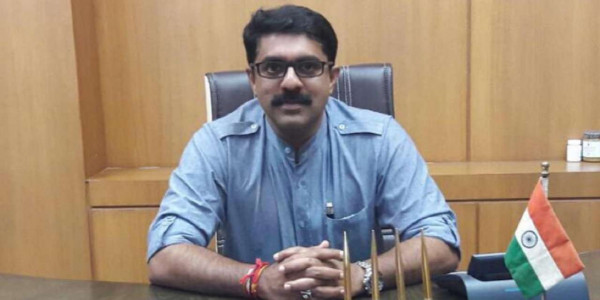 Vijai wants swift allotment of additional portfolios