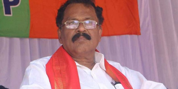 National Highway development: Finance minister Thomas Isaac targets Sreedharan Pillai