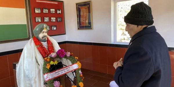 भारतीय और चीनी सेना सूझबूझ से ले रही काम, एलओसी पर शांति कायम: राजनाथ सिंह