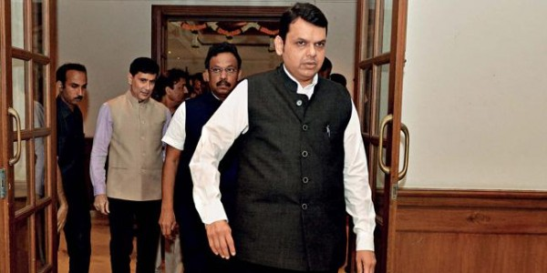 महाराष्ट्र से लेकर कर्नाटक- गुजरात और राजस्थान तक कांग्रेस में बगावत और नाराजगी, राधाकृष्ण पाटिल मिले देवेंद्र फडणवीस से