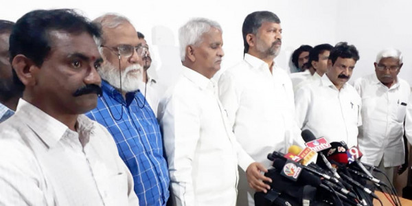 Telangana: Opposition criticised the RTC workers arrest