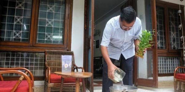 दिल्ली के सीएम अरविंद केजरीवाल ने डेंगू के खिलाफ विशेष अभियान शुरू किया