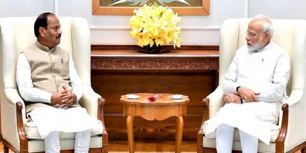 PM MODI से विजयी मंत्र लेकर लौटे रघुवर, आसान शब्दों में समझें CM के दिल्ली दौरे के मायने