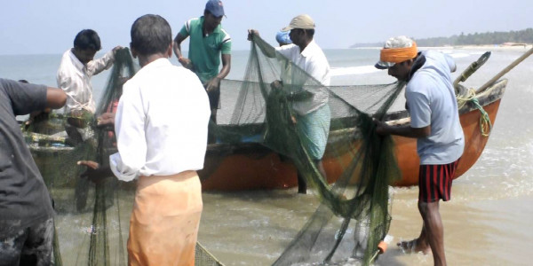 Mangaluru's Fishing Community stands divided between Cong, BJP