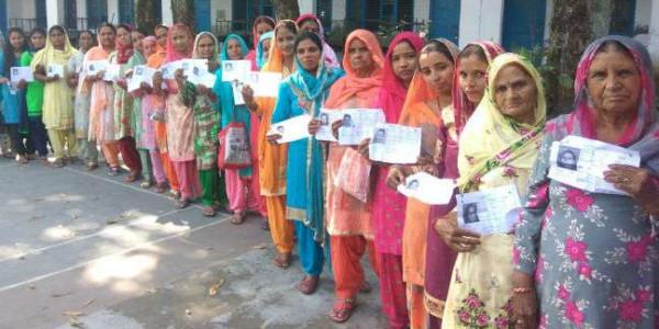 हिमाचल उपचुनाव: पांच बजे तक 71 फीसद लोगों ने किया मतदान