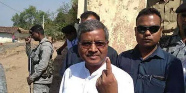 3rd Phase में बाबूलाल मरांडी ने किया मतदान, नागरिकता संशोधन पर दिया ये बयान