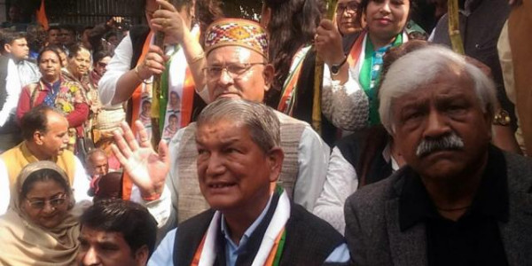 tehri-garhwal-harish-rawat-sits-on-dharna-fast-for-protesting-handing-over-tehri-dam-on-private-hands Molitics News