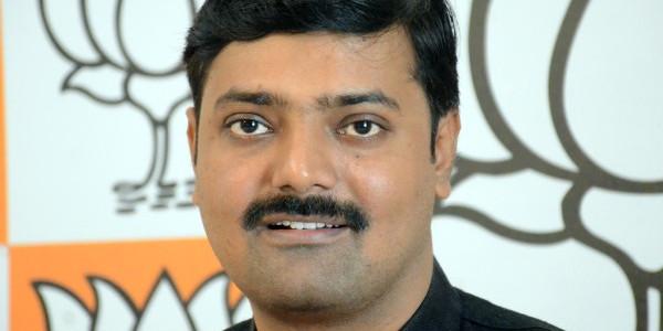 कर्नाटक चुनावों में राजनैतिक पर्यटन करेंगे माया और अखिलेश - राकेश त्रिपाठी