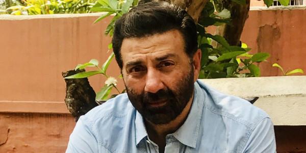 कुवैत में फंसे चार भारतीय, भीख मांगने को मजबूर, सनी देओल से मांगी मदद, लेकिन