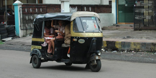 Maharashtra government to develop, run app for Pune autorickshaws
