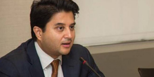 Congress leader Jyotiraditya Scindia welcomes Centre's decision to remove red beacons