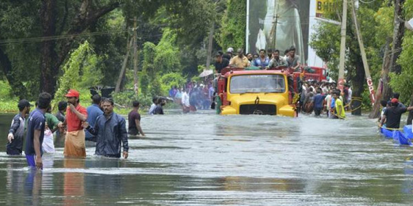 Kerala flood: Telangana, Andhra Pradesh to contribute Rs 100 crores in cash and kind for victims