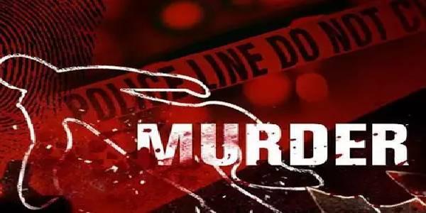 BJP नेता, पत्नी और बेटे की घर में घुसकर हत्या, वर्दी पहनकर आए थे हमलावर