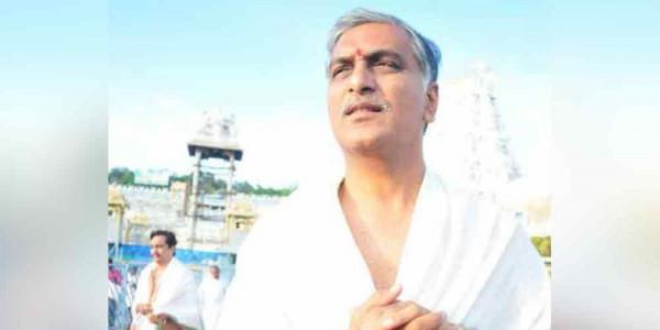 Harish Rao offers prayers at Tirumala