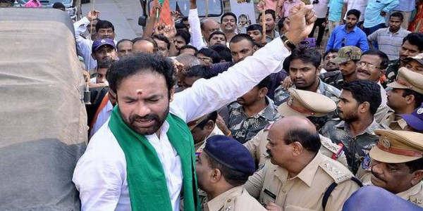 Govt. insensitive towards farmers' plight: Kishan