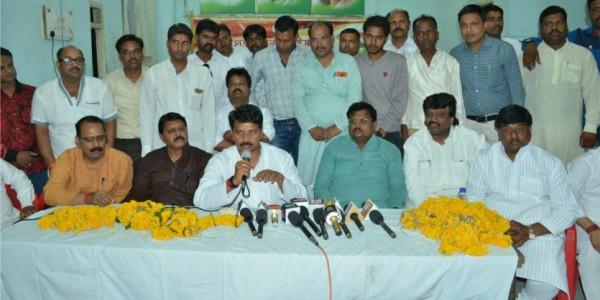 मनोज ठाकरे के हत्यारों का सुराग नहीं, गृहमंत्री बोले-कार्यकर्ताओं को काबू में रखे बीजेपी