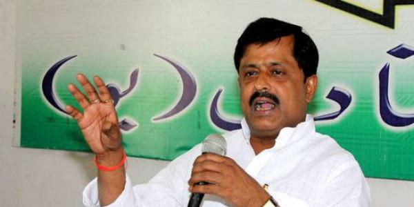 अपने दल के नेताओं से भी शरमा रहे हैं तेजस्वी : संजय सिंह