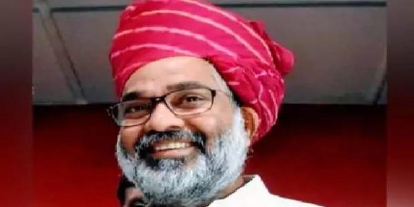 पूर्व PM चंद्रशेखर के बेटे नीरज शेखर ने दिया राज्यसभा से इस्तीफा