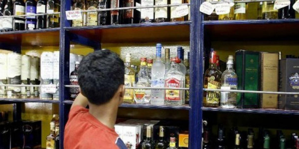 Consumption of alcohol drops in Maharashtra in 2017, but state's revenue from liquor sales rises