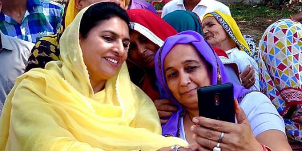 दुष्यंत की मां नैना चौटाला हो सकती हैं हरियाणा की उपमुख्यमंत्री