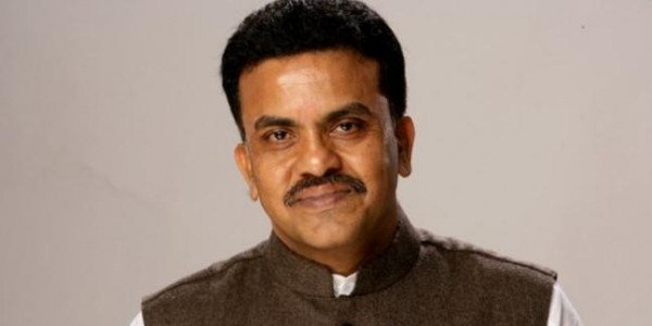 3 arrested for manhandling cops, EC videographer during Sanjay Nirupam's campaign meeting