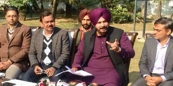 income-from-outdoor-advertising-going-pocket-of-leaders-during-sad-government-said-navjot-singh-sidhu