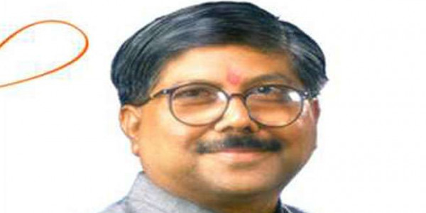 "Maharashtra BJP Chief Unveils ""Rath"" For ""Mahajanadesh Yatra"""