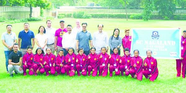 rijiju-meets-nagaland-girls-team