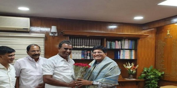 Ministers meet Goyal, seek grants for local bodies