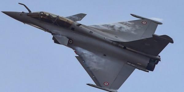 दशहरे पर भारत को मिलेगा राफेल विमान, राजनाथ सिंह रिसीव करने जाएंगे फ्रांस