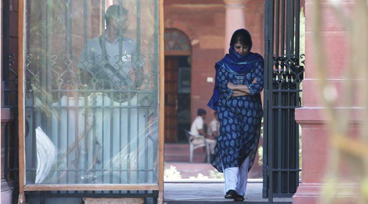 कश्मीर में ceasefire  के नाम सरकार कुर्बान
