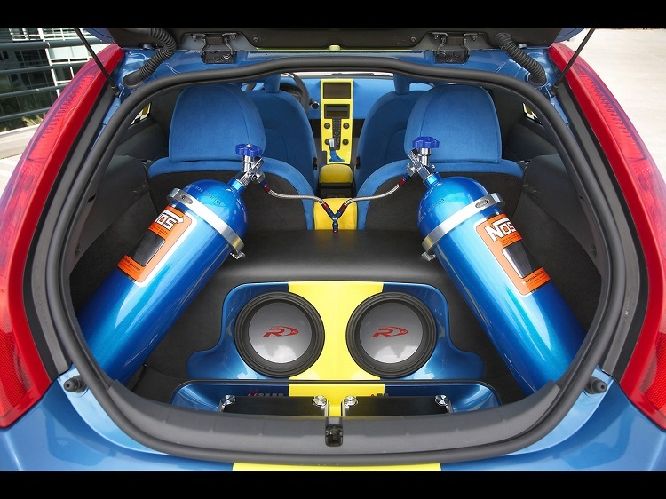 Motorist Nitrous Oxide Tanks Car